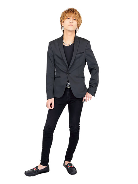 響 輝2019.09 スーツ